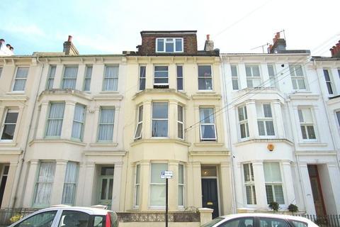 Studio to rent - Walpole Terrace, Brighton