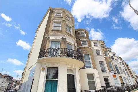 Studio to rent - St Georges Place, Brighton