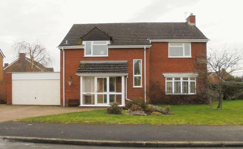 4 Bedrooms Detached House for sale in Fladbury WR10