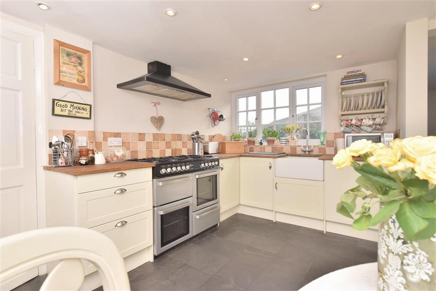 4 Bedrooms Cottage House for sale in Lidsey Road, Bognor Regis, West Sussex
