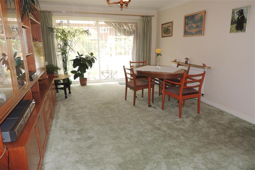 4 Bedrooms Detached House for sale in Sylvan Way, Bognor Regis, West Sussex