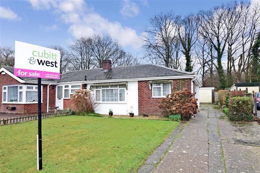 2 Bedrooms Semi Detached Bungalow for sale in Inhurst Avenue, Waterlooville, Hampshire