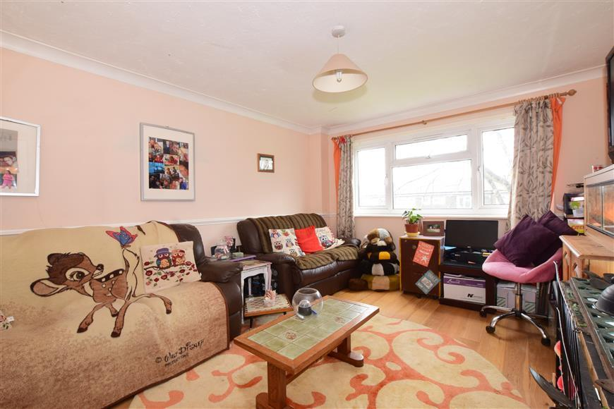 2 Bedrooms Maisonette Flat for sale in Perseus Place, Waterlooville, Hampshire