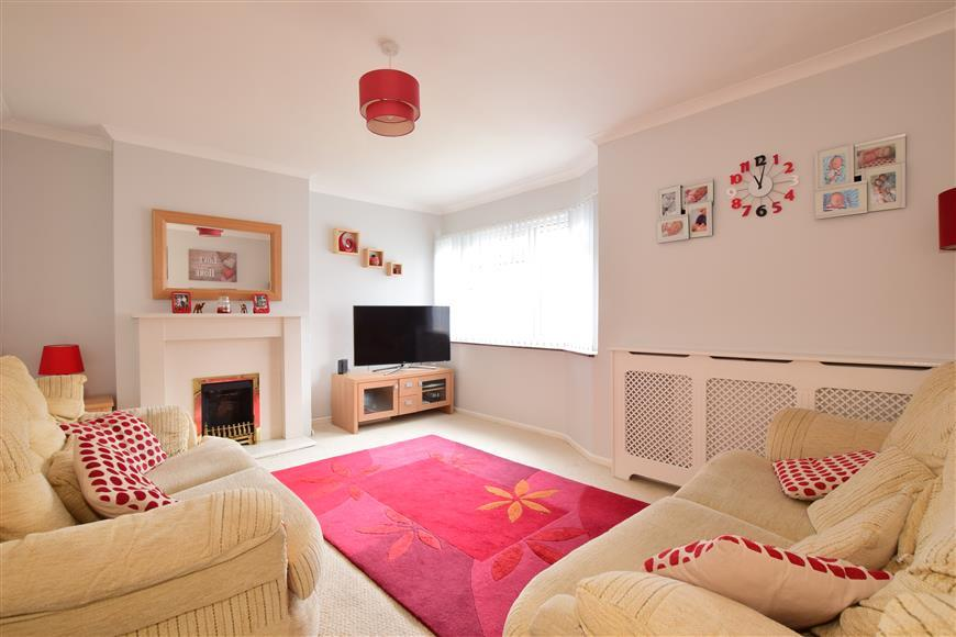 3 Bedrooms Semi Detached House for sale in Serpentine Road, Widley, Waterlooville, Hampshire