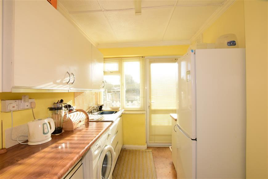 2 Bedrooms Ground Flat for sale in Ardingly Drive, Goring-By-Sea, Worthing, West Sussex