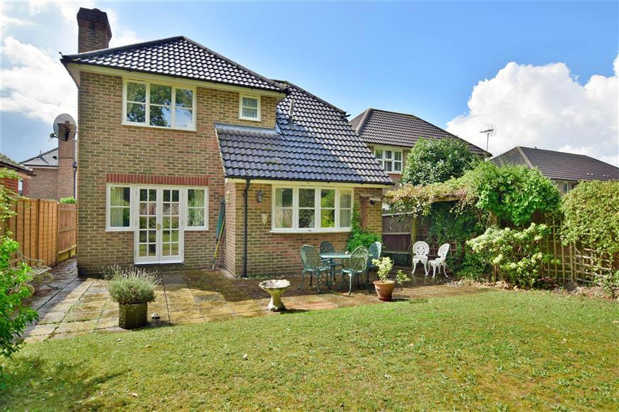 3 Bedrooms Detached House for sale in Brookhurst Field, Rudgwick, West Sussex