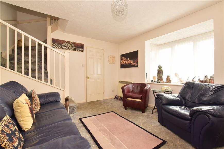 2 Bedrooms Semi Detached House for sale in Normandy Close, Maidenbower, Crawley, West Sussex