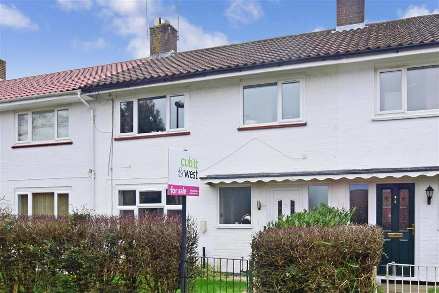 3 Bedrooms Terraced House for sale in Findon Road, Ifield, Crawley, West Sussex