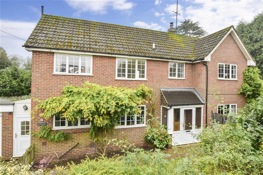 4 Bedrooms Detached House for sale in Knoll Road, Dorking, Surrey
