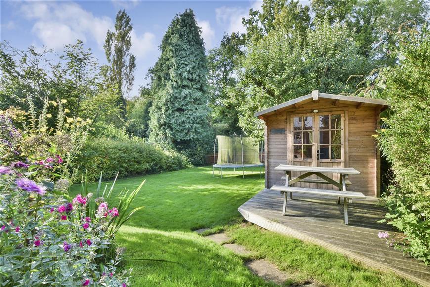 4 Bedrooms Detached House for sale in Deepdene Avenue Road, Dorking, Surrey