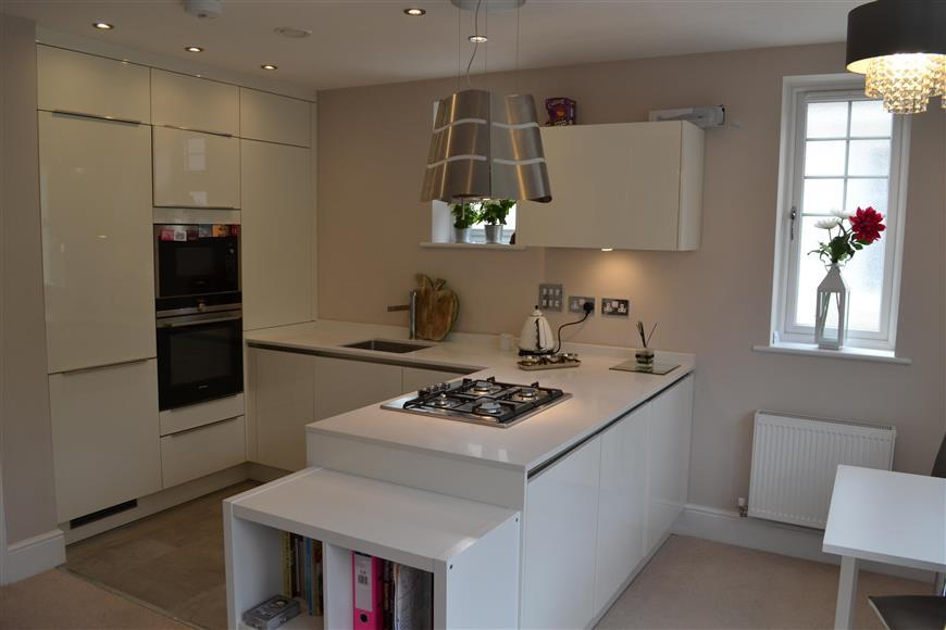 2 Bedrooms Apartment Flat for sale in Woodcote Valley Road, Purley, Surrey
