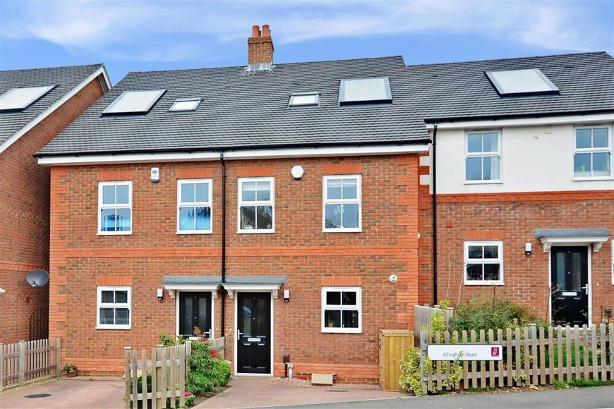 3 Bedrooms Terraced House for sale in Allingham Road, Reigate, Surrey