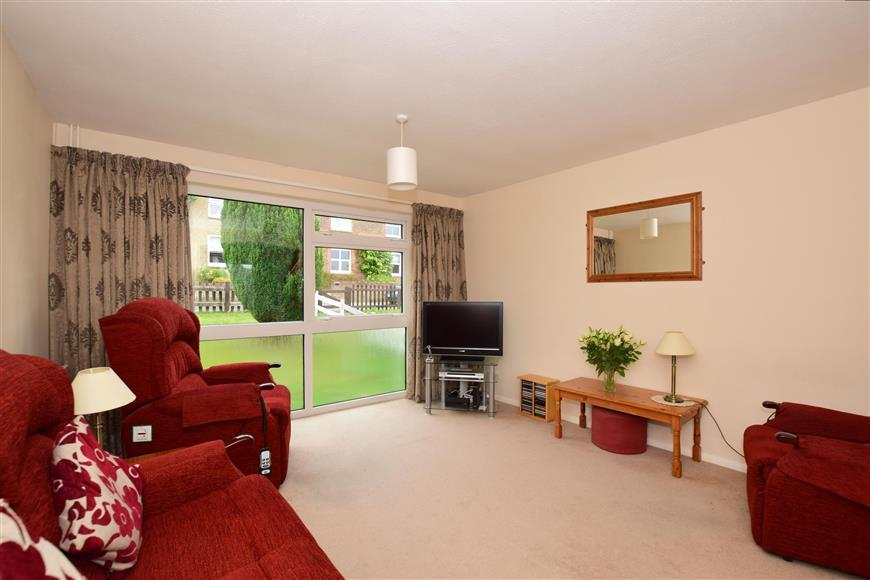 3 Bedrooms End Of Terrace House for sale in Priory Road, Reigate, Surrey
