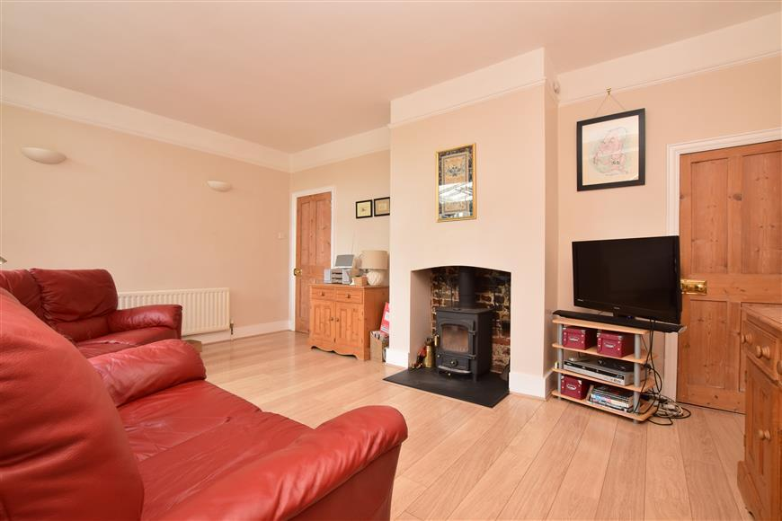 4 Bedrooms Detached House for sale in Chartfield Road, Reigate, Surrey