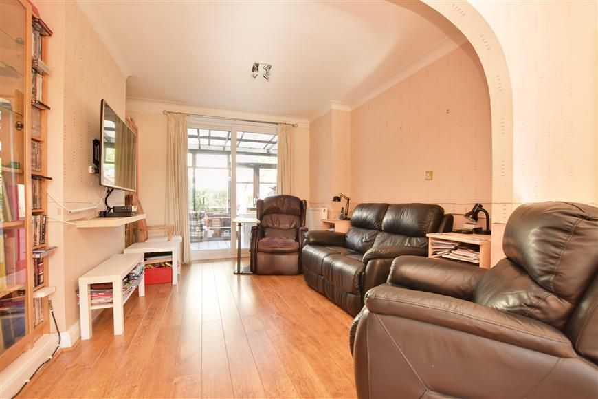 3 Bedrooms Terraced House for sale in Woodside Green, South Norwood