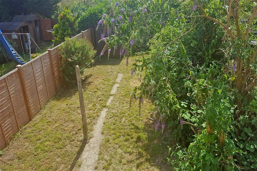 3 Bedrooms Terraced House for sale in Longheath Gardens, Shirley, Surrey