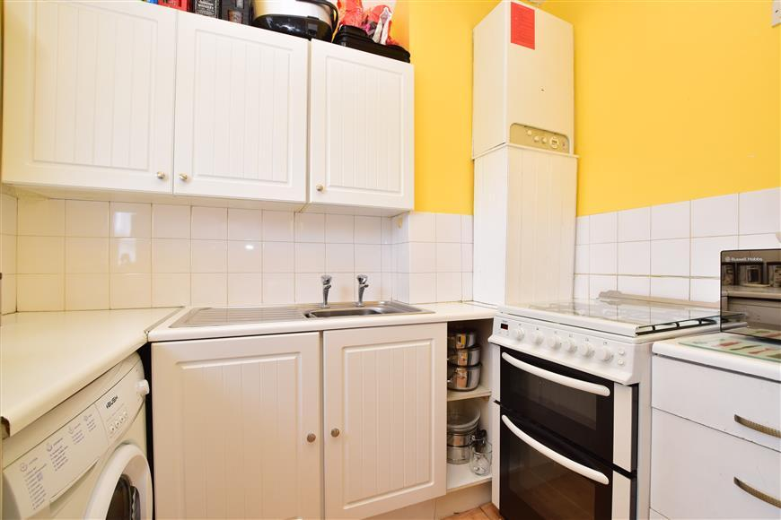 Studio Flat for sale in Derby Road, Sutton, Surrey