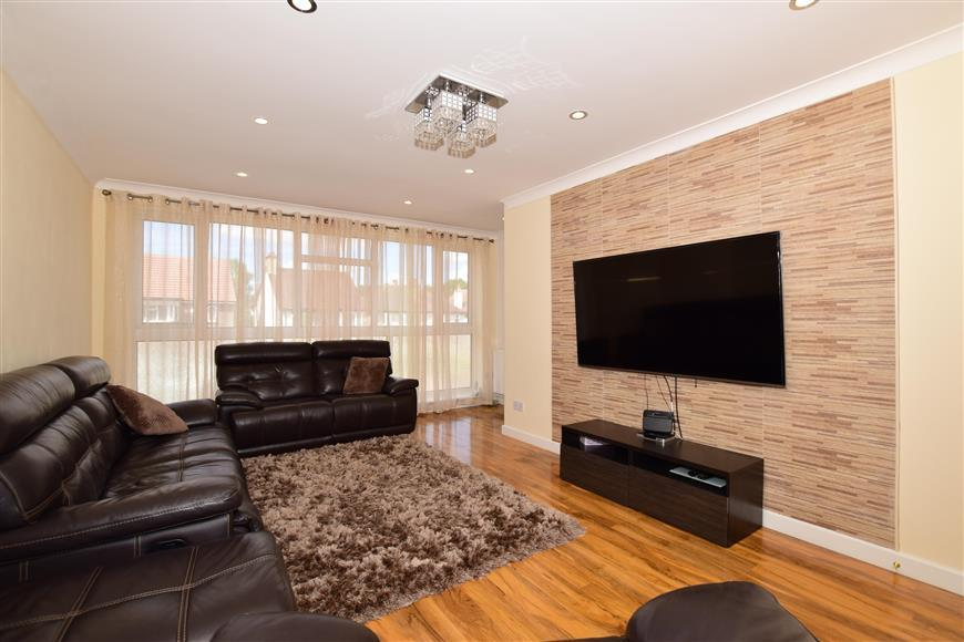 3 Bedrooms Town House for sale in West Street, Carshalton, Surrey