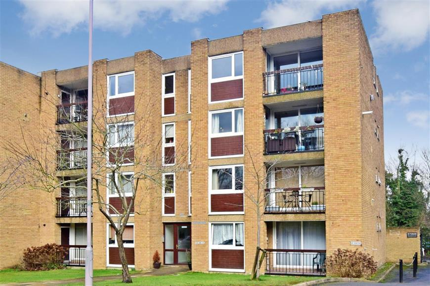 2 Bedrooms Flat for sale in Mulgrave Road, Sutton, Surrey
