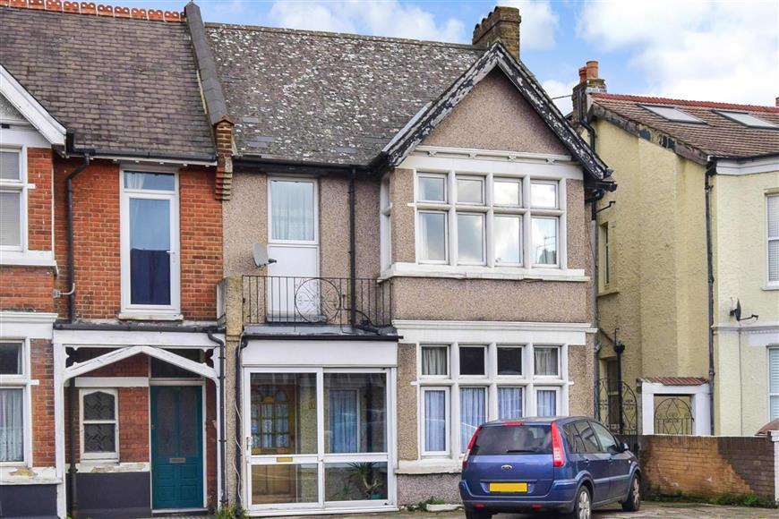 5 Bedrooms Semi Detached House for sale in Carshalton Road, Sutton, Surrey