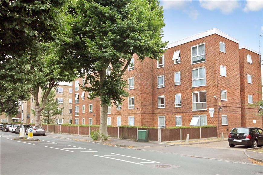 1 Bedroom Flat for sale in St. James Road, Sutton, Surrey