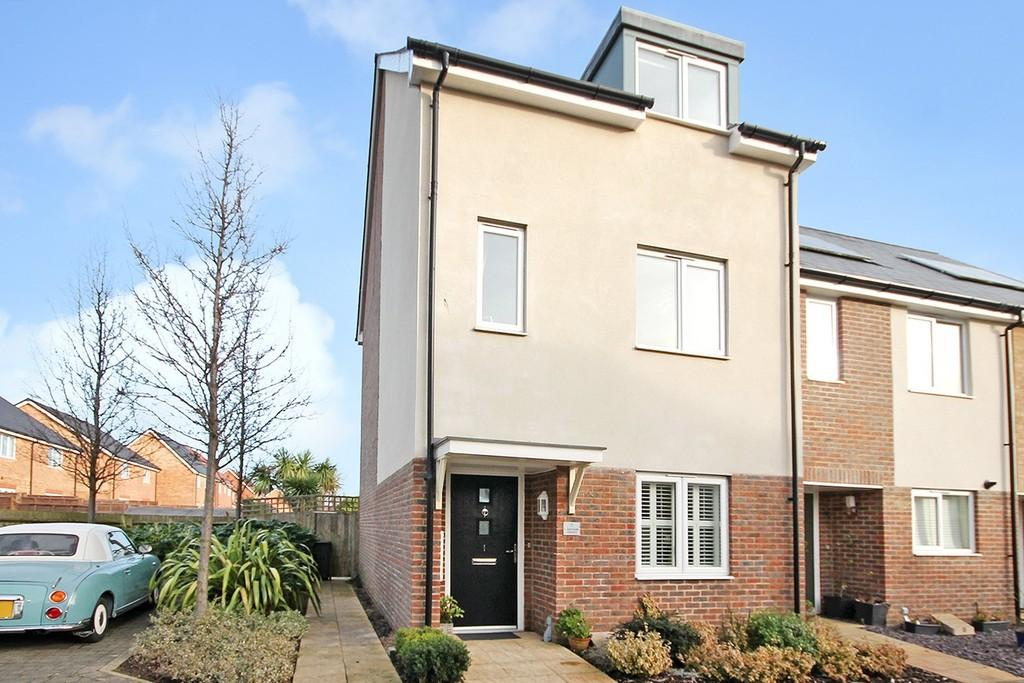 3 Bedrooms Town House for sale in Rainbow Square, Shoreham-by-Sea BN43 6AX