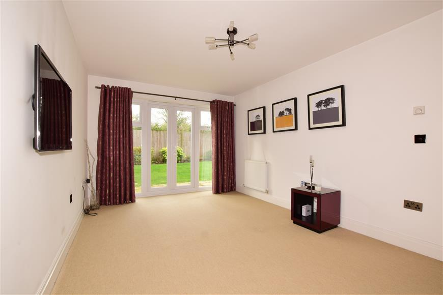 3 Bedrooms Terraced House for sale in Bell Hill Close, Billericay, Essex