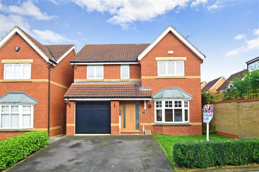 4 Bedrooms Detached House for sale in Regent Drive, Billericay, Essex