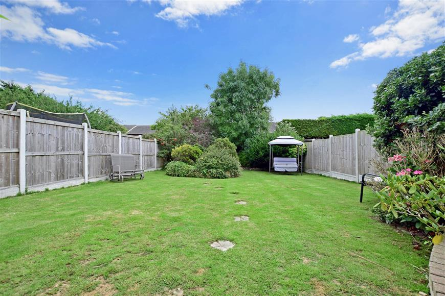 4 Bedrooms Detached House for sale in Kings Road, Basildon, Essex