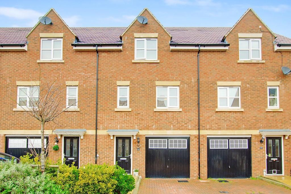 3 Bedrooms Town House for sale in Robin Road, Goring-by-sea, Worthing BN12 6NU