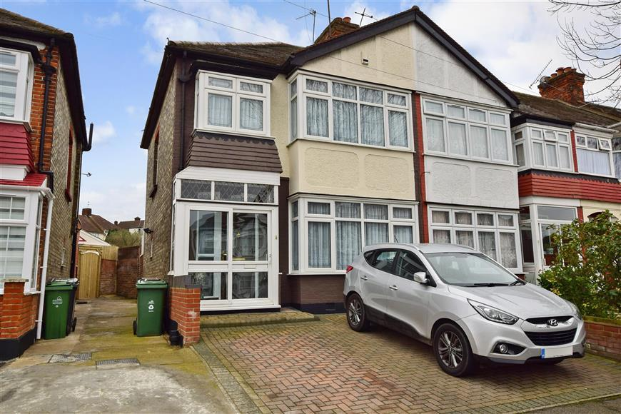 3 Bedrooms End Of Terrace House for sale in Cherrydown Avenue, London