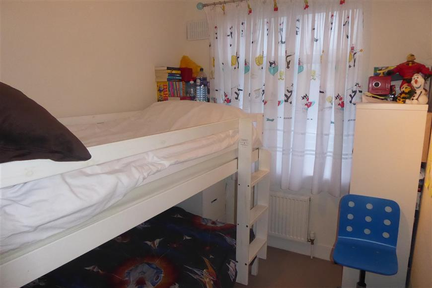2 Bedrooms Maisonette Flat for sale in Chingford Mount Road, Chingford