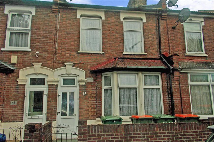1 Bedroom Flat for sale in Springfield Road, East Ham, London