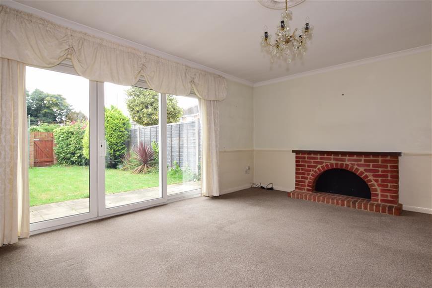 3 Bedrooms Terraced House for sale in Cranham Road, Hornchurch, Essex