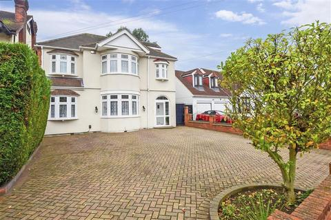 5 bedroom detached house for sale - Parkway, Ilford, Essex