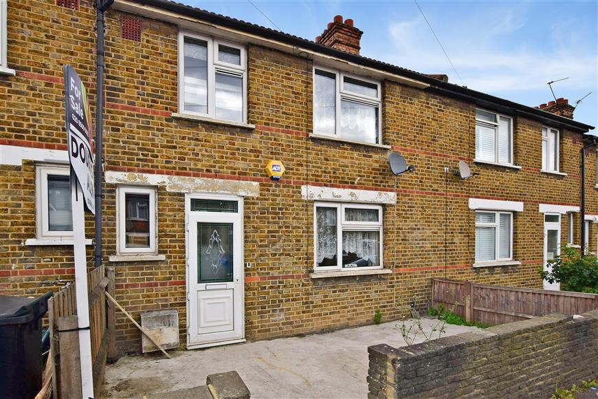 3 Bedrooms Terraced House for sale in Priors Croft, Walthamstow, London