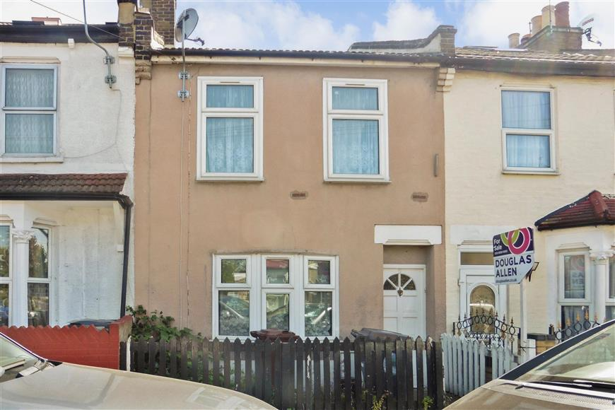 3 Bedrooms Terraced House for sale in Springfield Road, Walthamstow, London