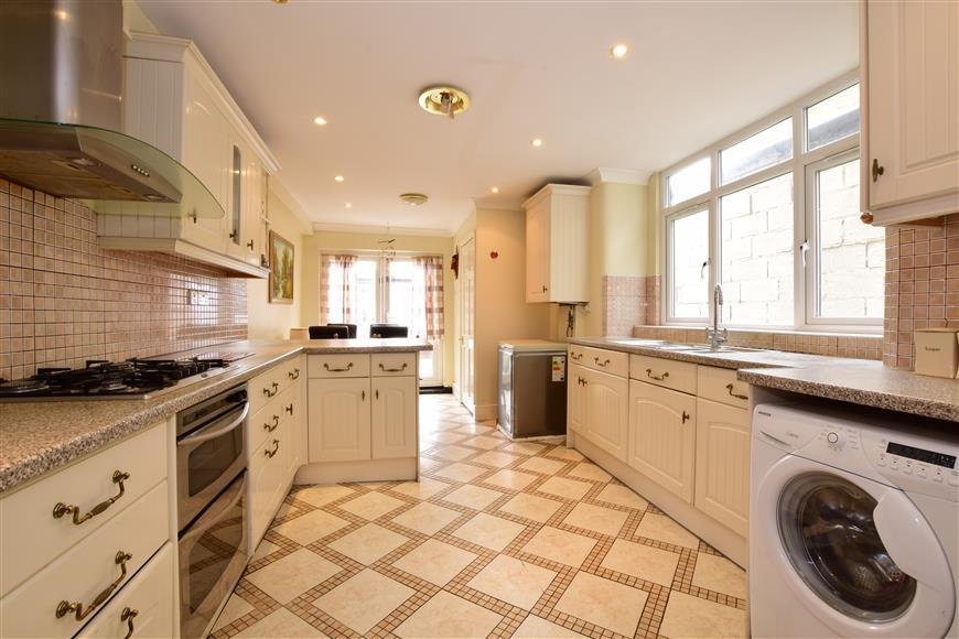 3 Bedrooms Terraced House for sale in Albert Road, Walthamstow, London
