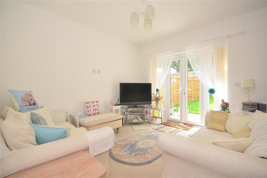 2 Bedrooms Semi Detached Bungalow for sale in Penrith Crescent, Wickford, Essex