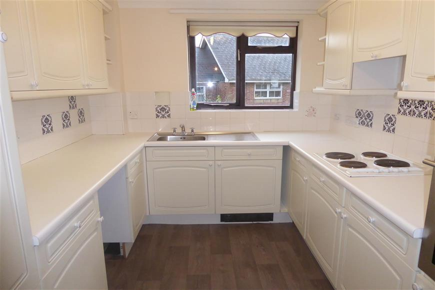 2 Bedrooms Apartment Flat for sale in Hooke Hill, Freshwater, Isle of Wight