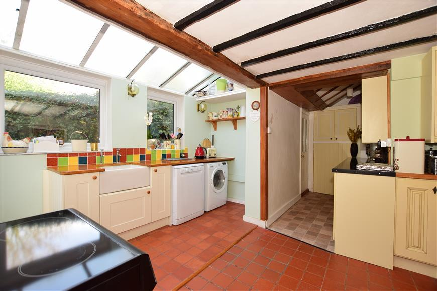 2 Bedrooms Detached House for sale in Blackwater Road, Newport, Isle of Wight