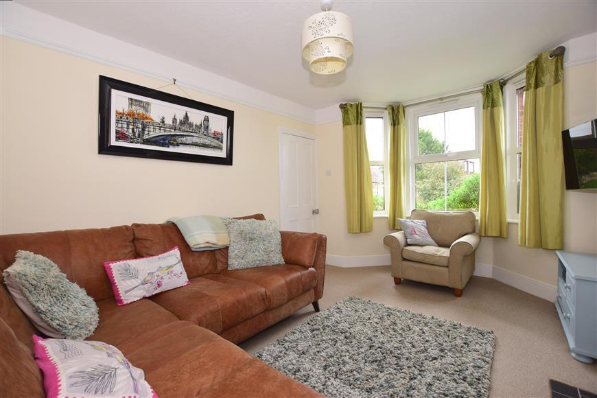 3 Bedrooms Detached House for sale in Gunville Road, Newport, Isle of Wight
