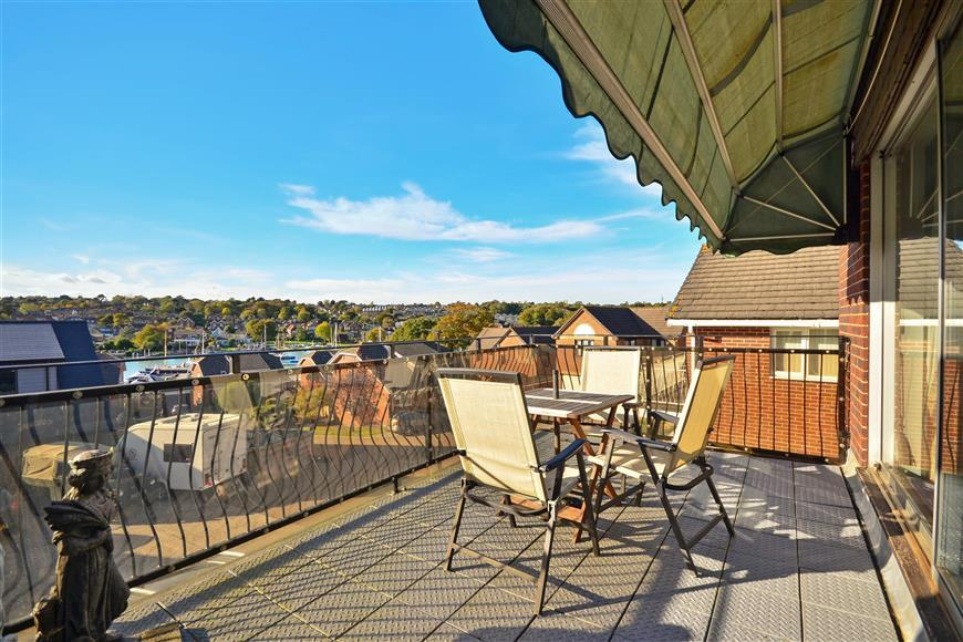 3 Bedrooms Detached House for sale in Barge Lane, Wootton Bridge, Ryde, Isle of Wight