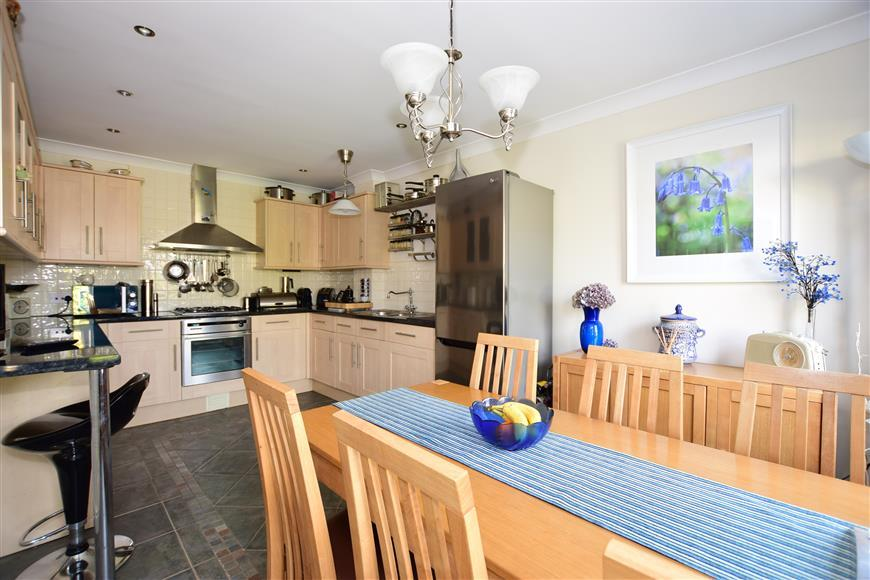 4 Bedrooms End Of Terrace House for sale in Hornbeam Square, Bullen Village, Ryde, Isle of Wight