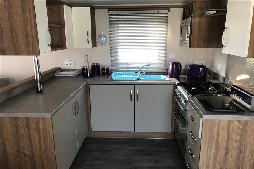 2 Bedrooms Park Home Mobile Home for sale in The Fairway, Sandown, Isle of Wight