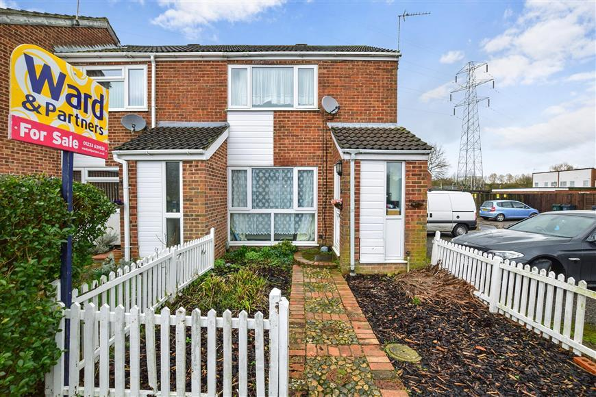 2 Bedrooms Terraced House for sale in Oaklands, Ashford, Kent