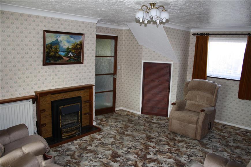 3 Bedrooms Semi Detached House for sale in Shepway, Kennington, Ashford, Kent