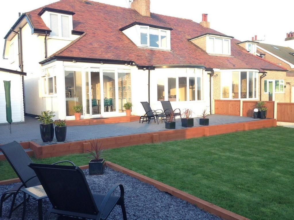 4 Bedrooms Semi Detached House for sale in Marine Drive, Rhos On Sea