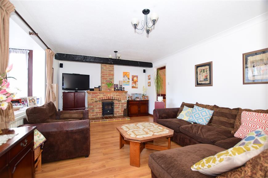 4 Bedrooms Detached House for sale in Old Orchard, Singleton, Ashford, Kent