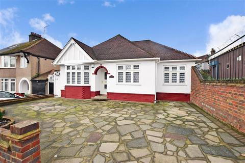 3 bedroom detached bungalow for sale - Merewood Road, Bexleyheath, Kent